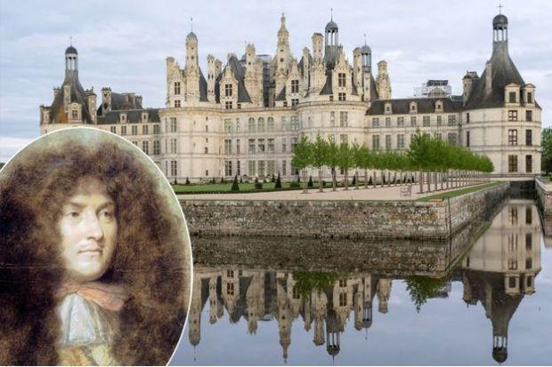 Quand-Lully-traverse-un-clavecin-a-Chambord-pour-faire-rire-Louis-XIV